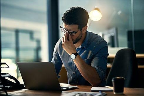 Hypnose kann unkompliziert dabei helfen, Stress und Burnout zu überwinden. Finden Sie wieder Ihre Balance mit professioneller Hypnose.