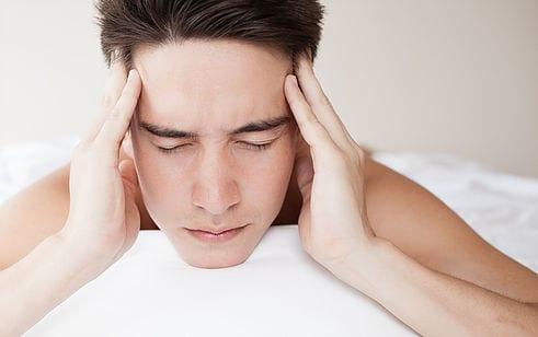 Bei Zähneknirschen kann Hypnose helfen.